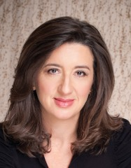 Anita Amirrezvani -cropby Rex Bonomelli