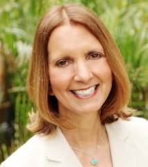 Frances Caballo, Social Media Manager